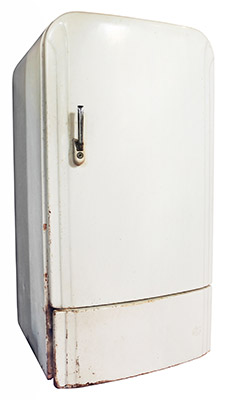 old-fridge